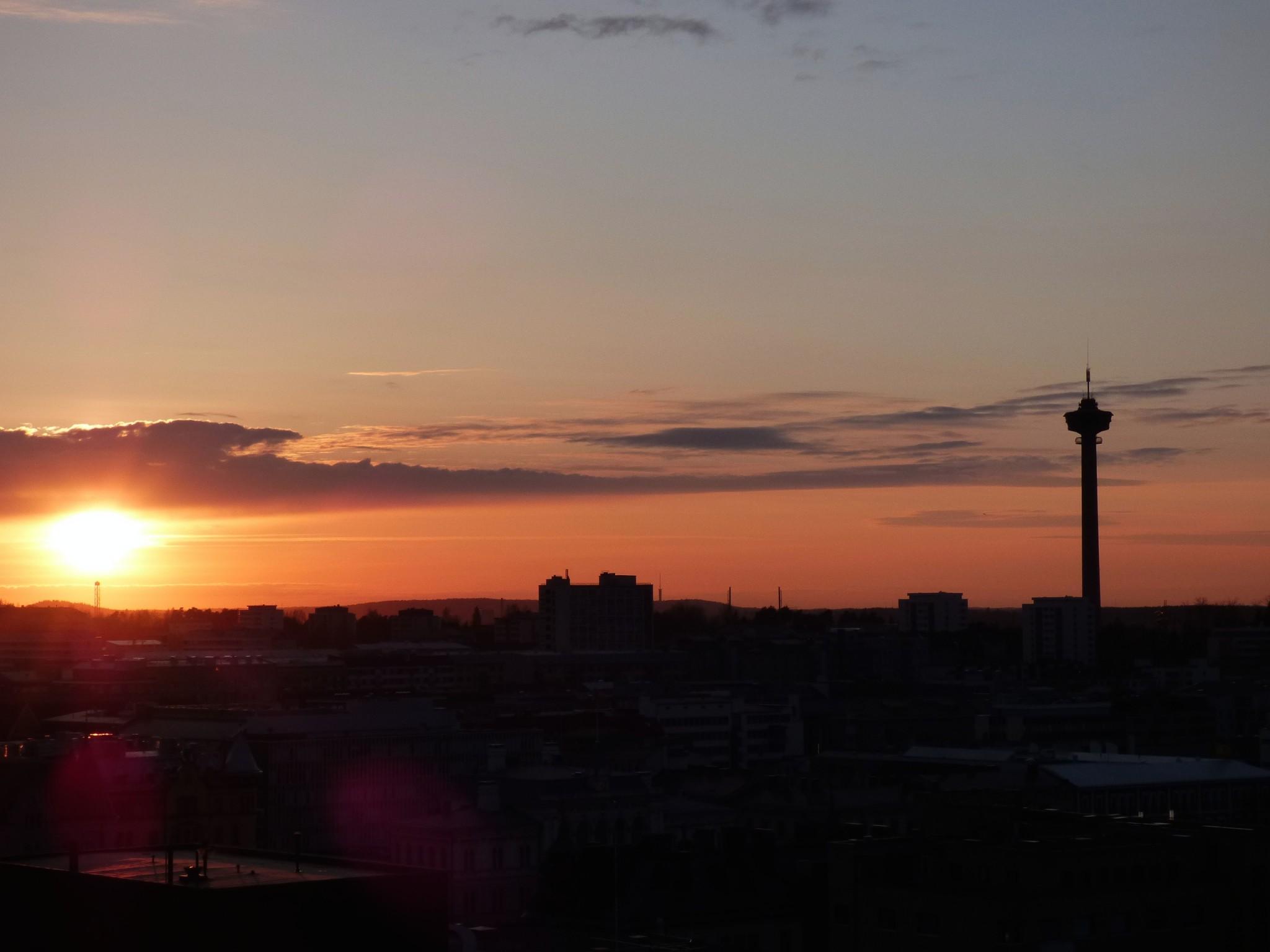 näsinneula auringonlasku