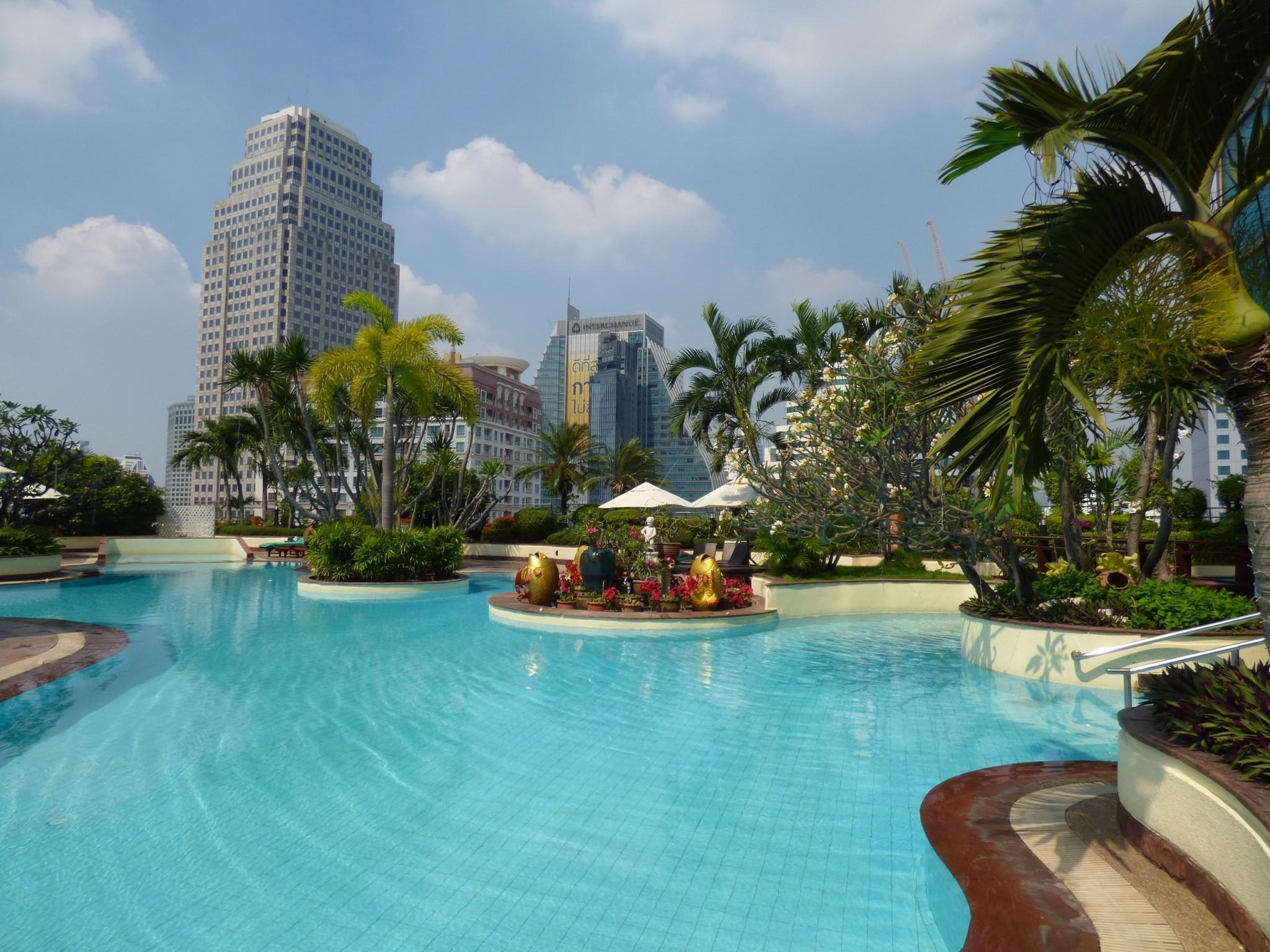 Windsor Suites Bangkok uima-allas