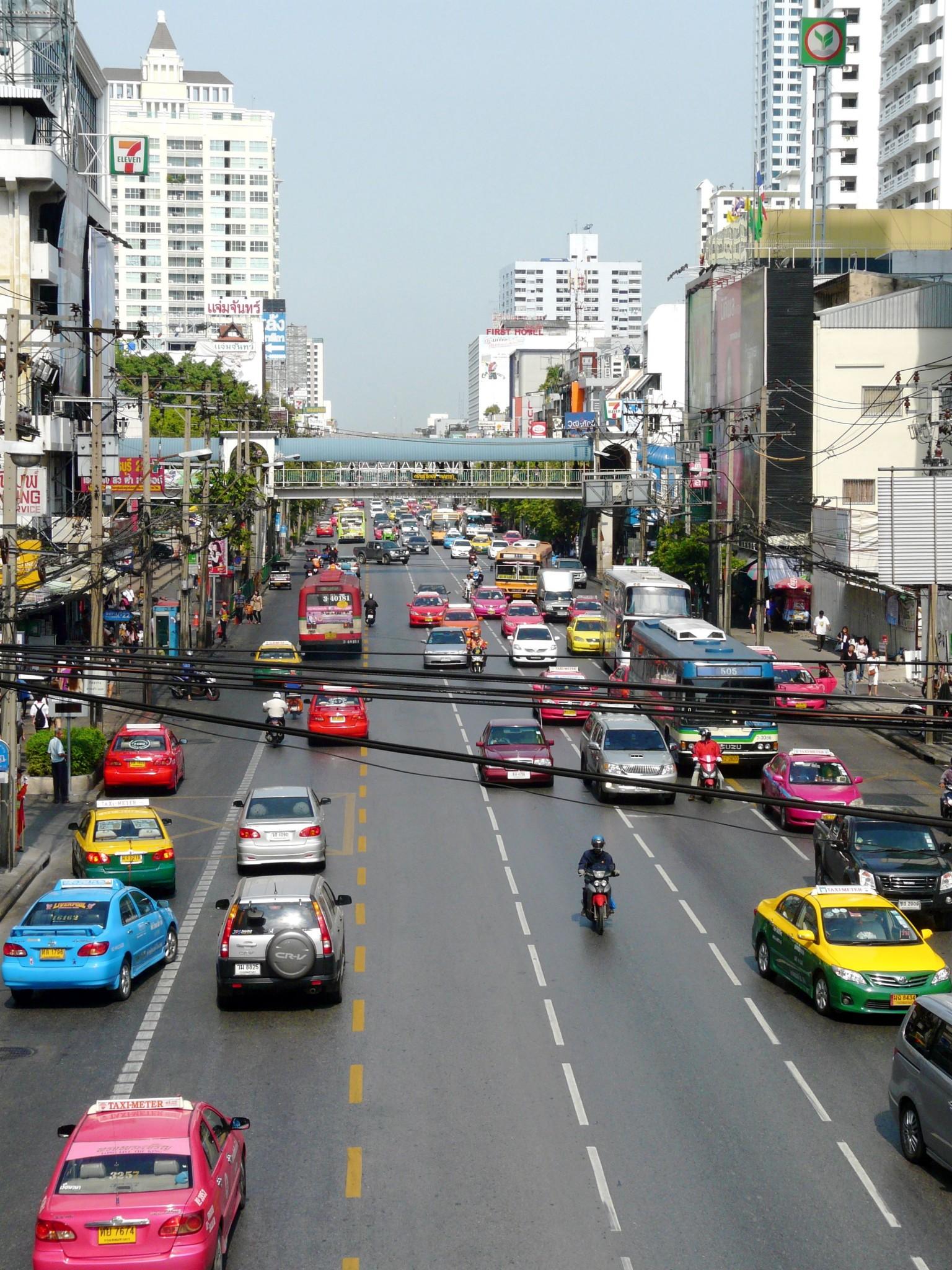 Liikkuminen Bangkokissa: ruuhka