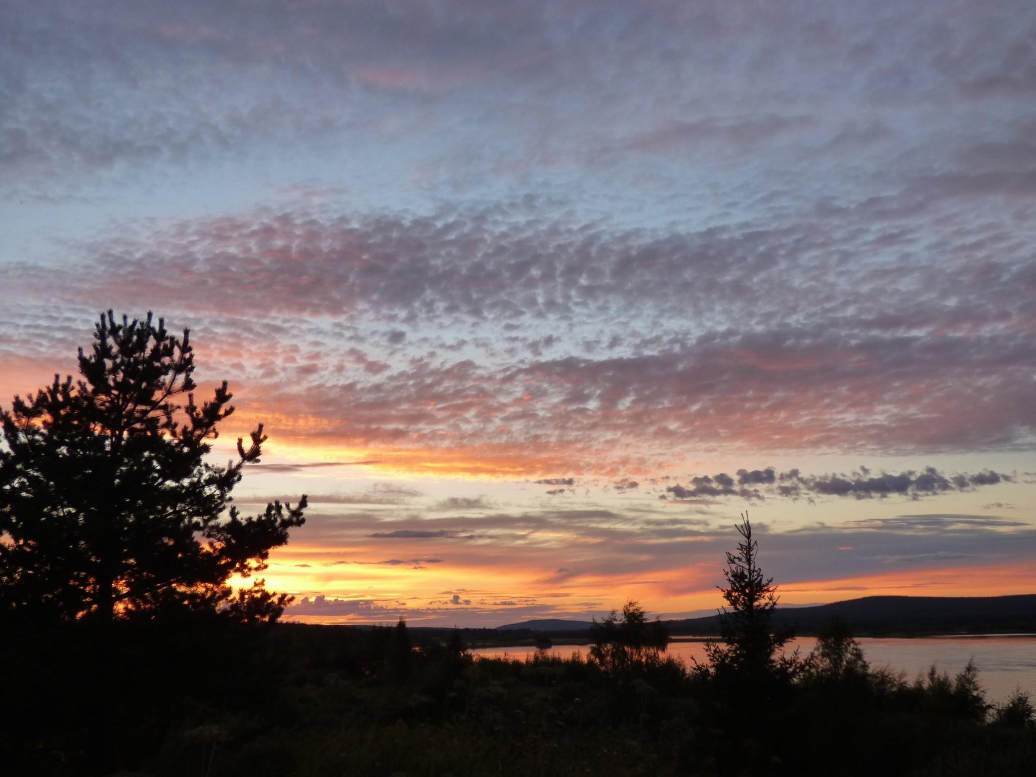 Arktikum auringonlasku