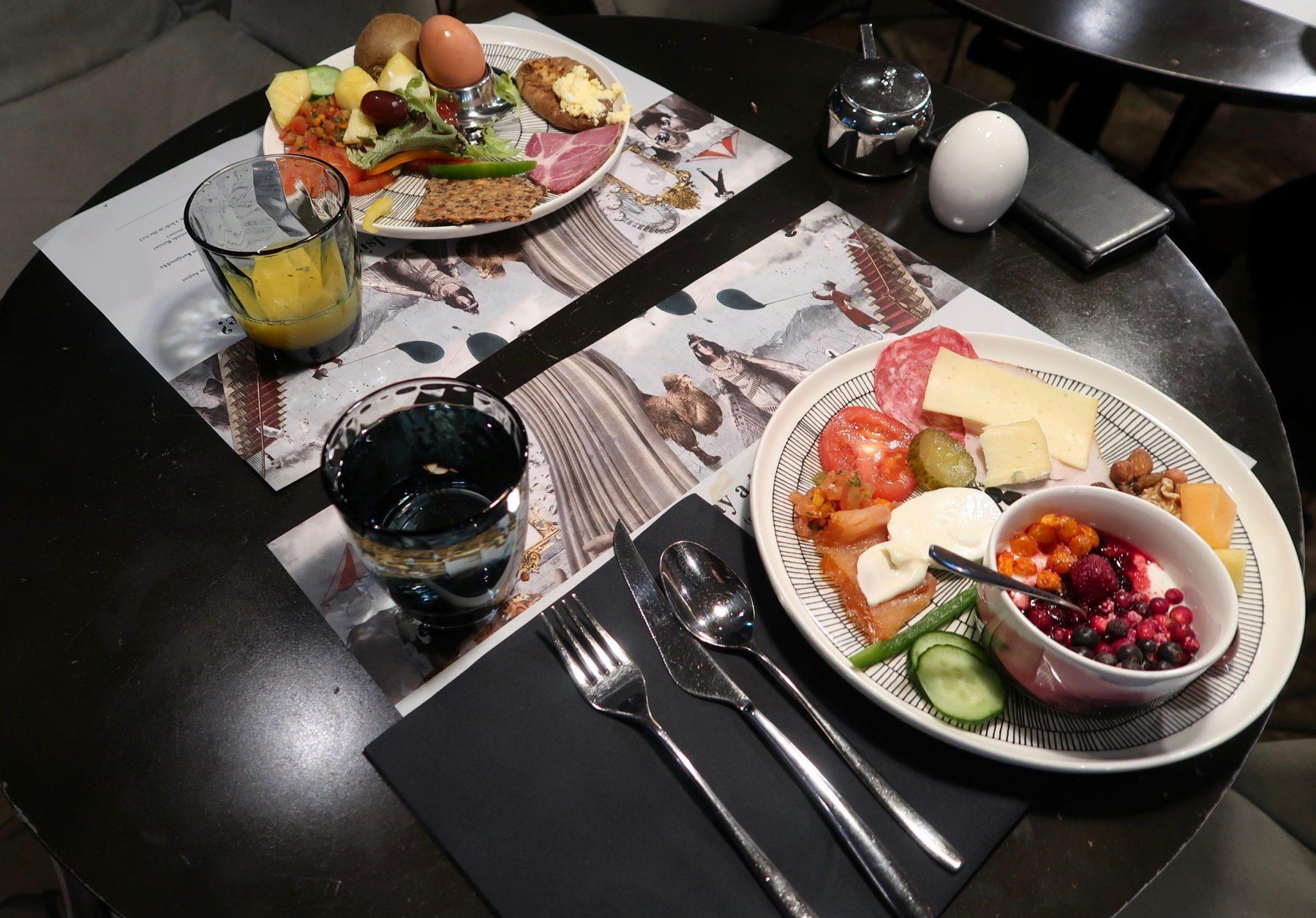 Hotel F6 aamiainen
