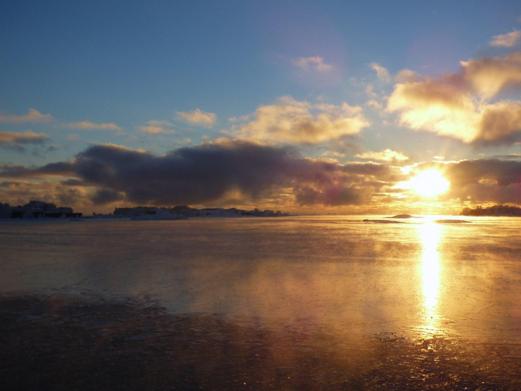 Suomenlinnan lautta auringonlasku