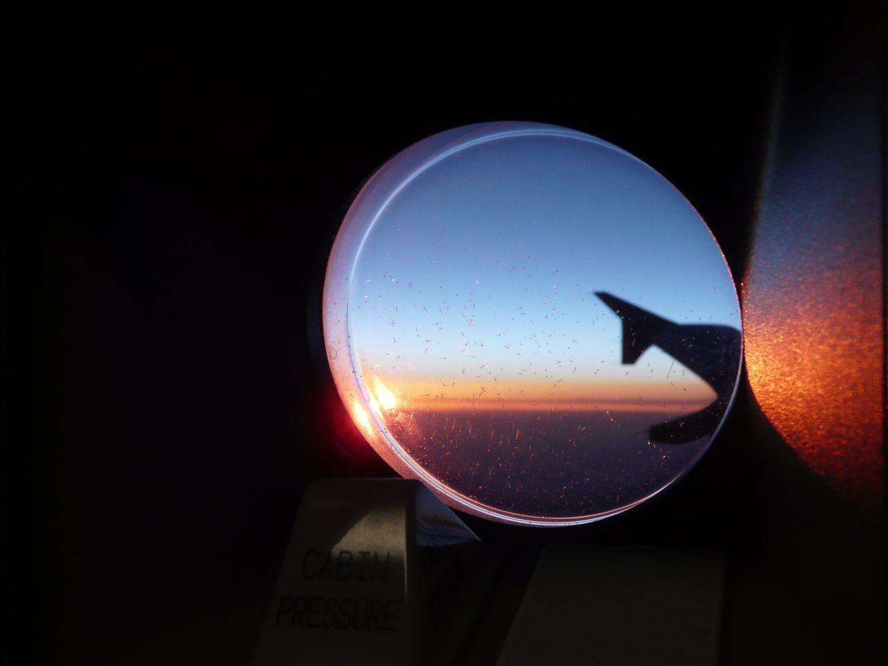 Lentokone auringonlasku