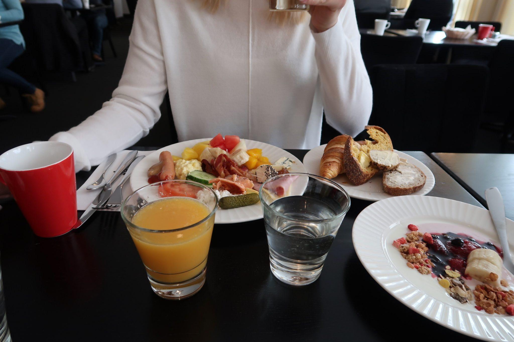 Lahden Seurahuone aamiainen