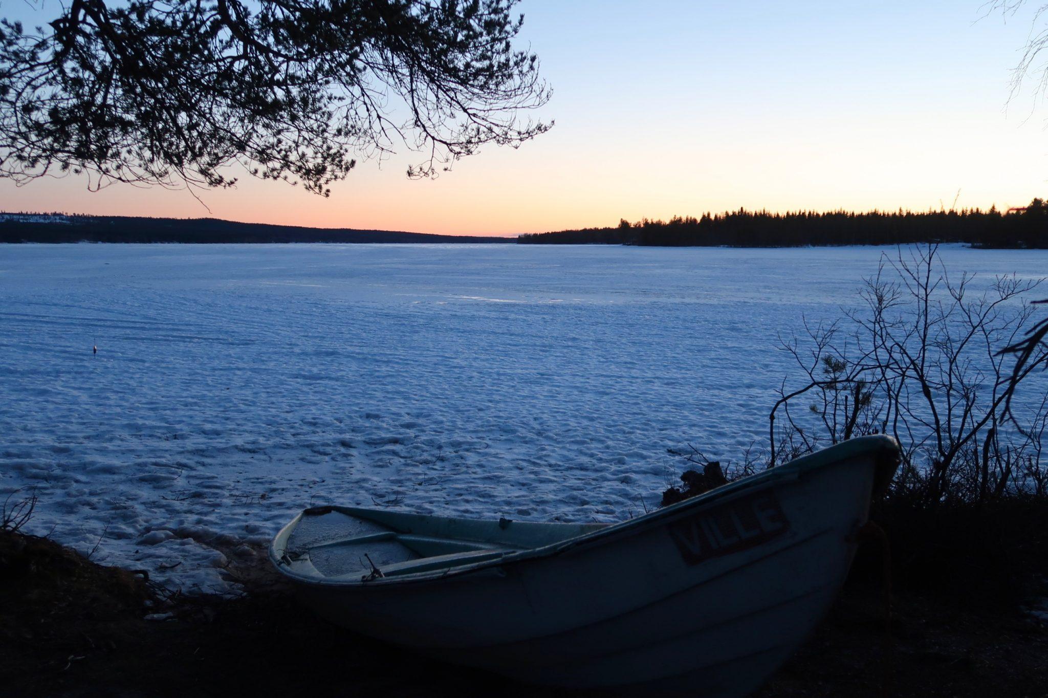 Rovaniemi auringonlasku Beyond Arctic