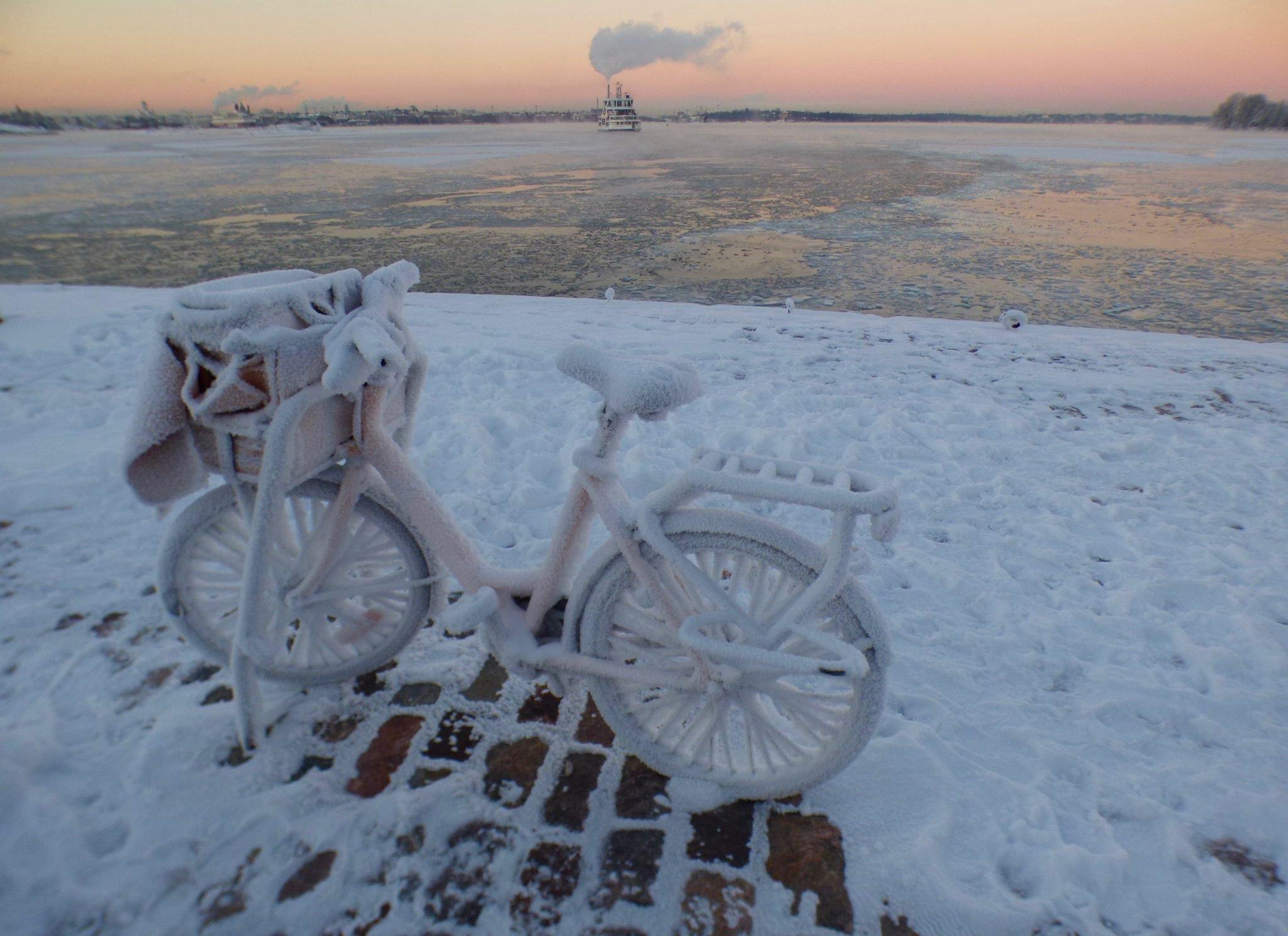 Suomenlinna auringonlasku talvi