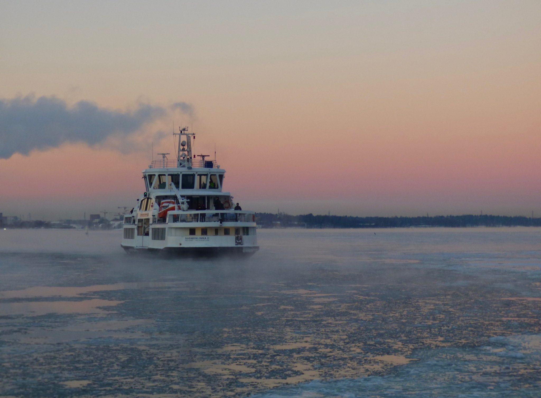 Suomenlinna talvinen auringonlasku