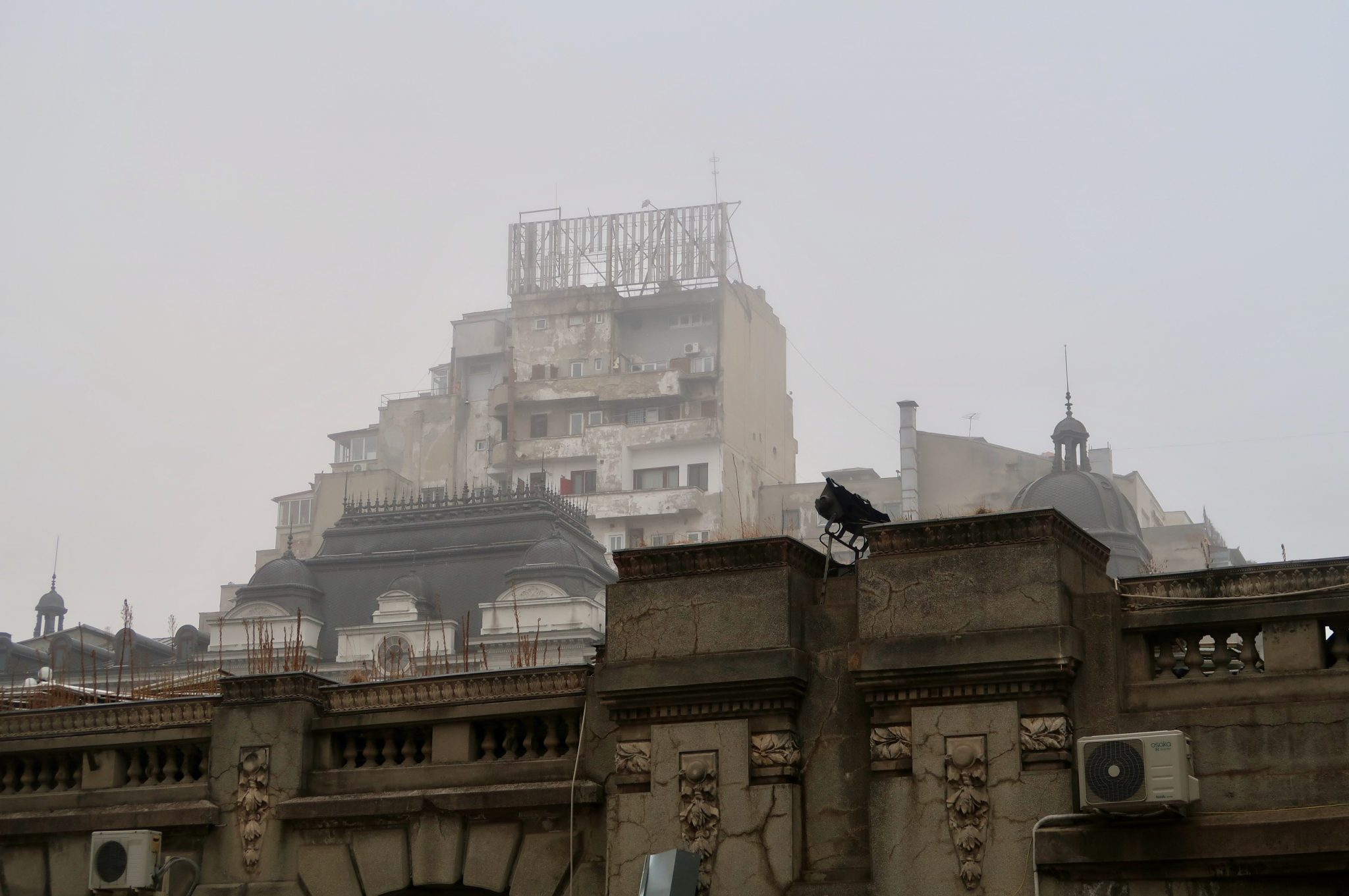 Bukarest aamuinen sumu