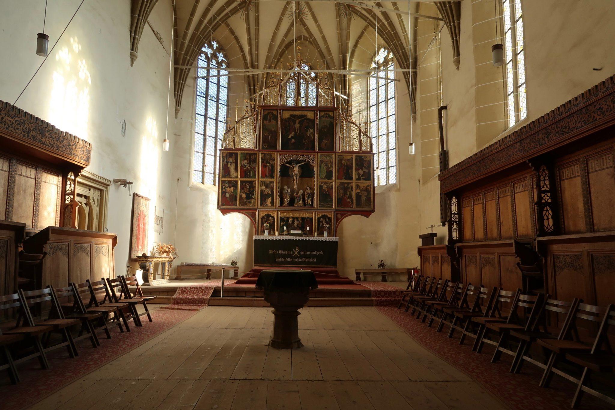 Romania kirkko