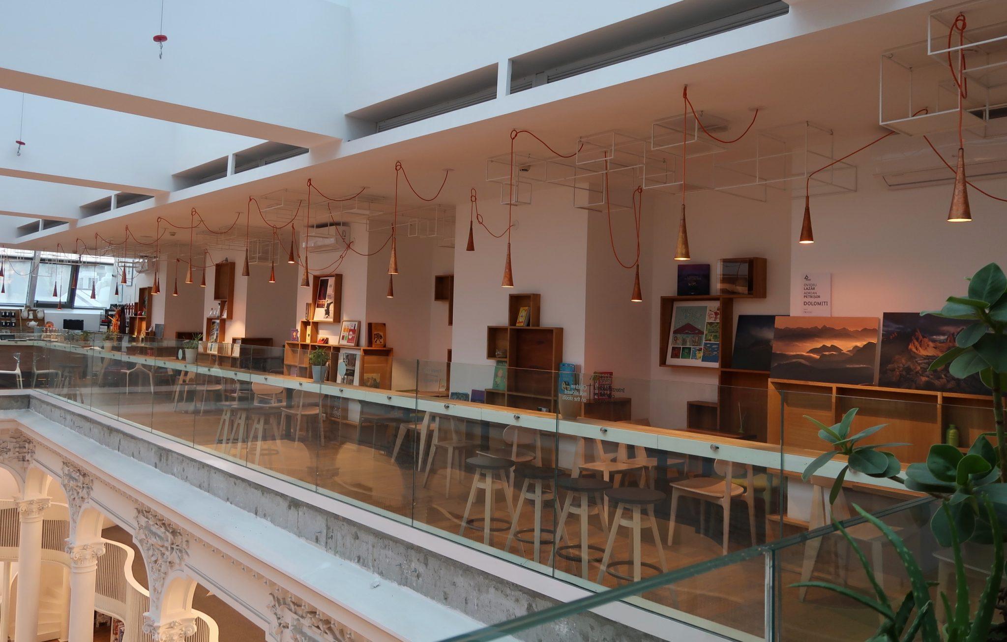 Bukarest kirjaston ravintola