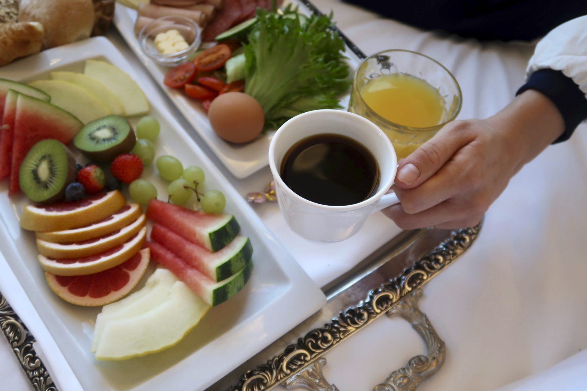 Sokos Hotel Vaakuna aamiainen huoneeseen