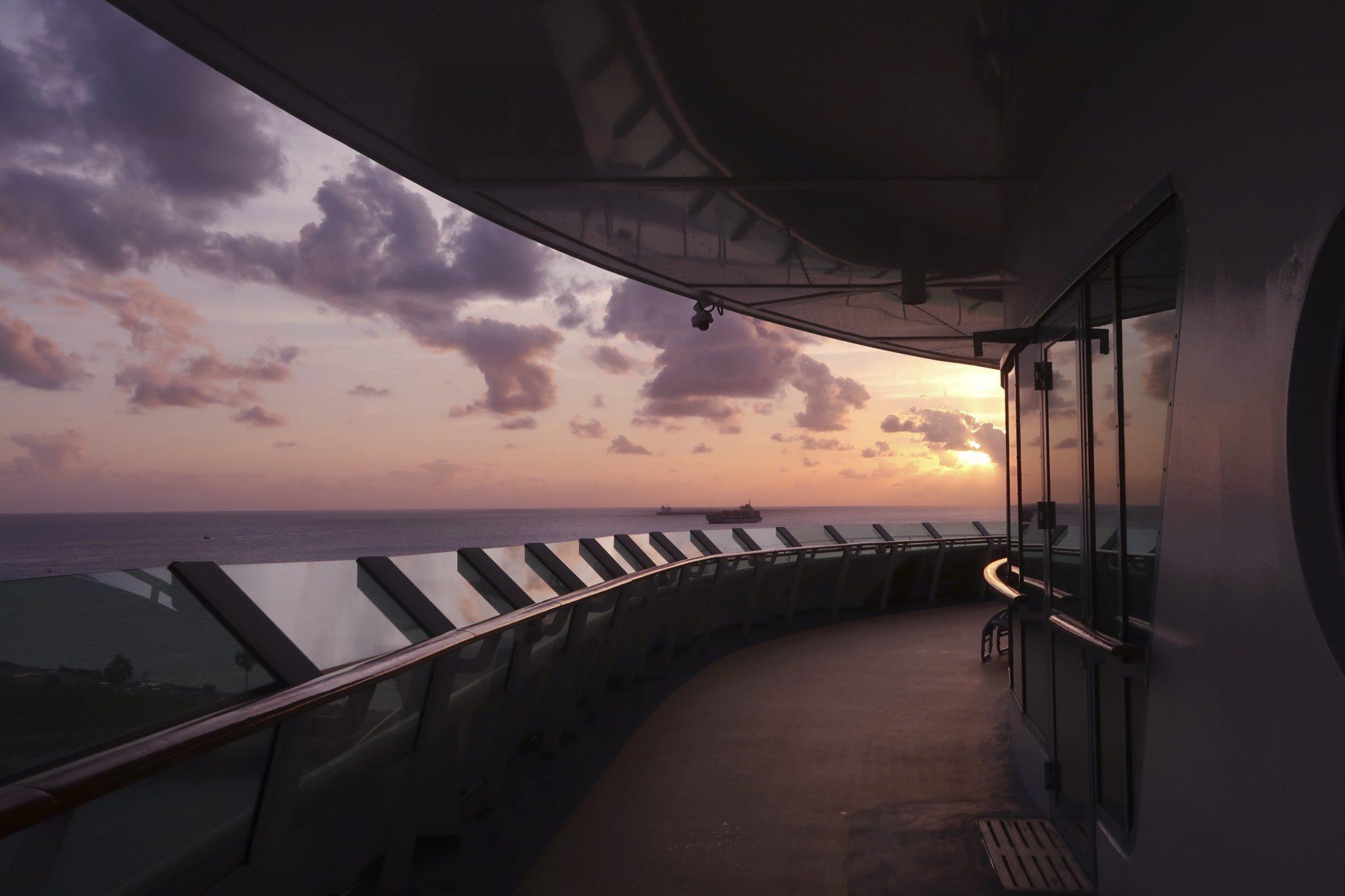 Karibian risteily auringonlasku