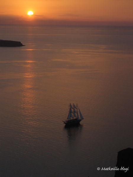 Auringonlasku Santorinilla, Oiassa_©_Matkoilla_blogi