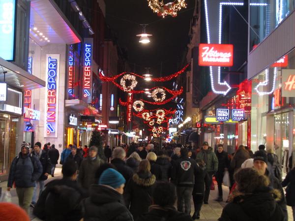 Drottninggatan jouluasussa. Kuva: © Matkoilla-blogi