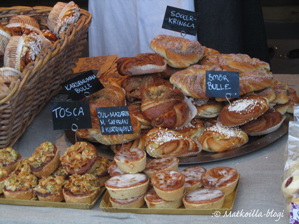 Skansenin joulumarkkinoiden leivonnaisherkkuja. Kuva: © Matkoilla-blogi