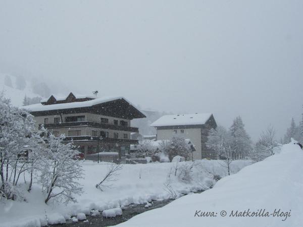 Näkymä Kohlmaisin suntaan, tai siis siellä pitäisi normaalisti näkyä Kohlmais... Kuva: © Matkoilla-blogi