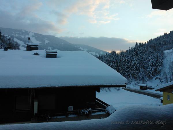 Aurinkoinen aamunäkymä Kohlmaisille. Kuva: © Matkoilla-blogi