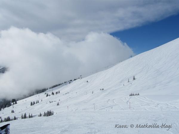 Hinterglemm, pilviä Spieleckkogelilla. Kuva: © Matkoilla-blogi