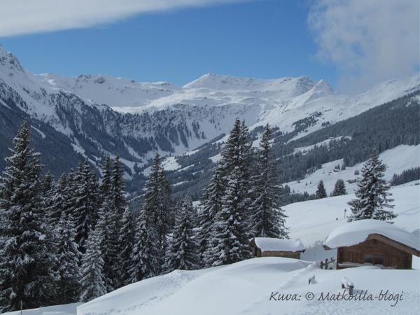 Lounastauon maisemia Rosswaldhüttestä. Kuva: © Matkoilla-blogi