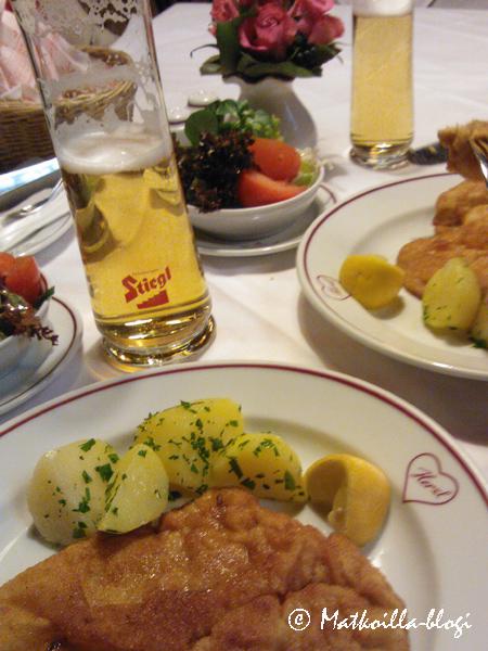 Wienerschnitzel Herzlin tapaan. Kuva: c Matkoilla-blogi