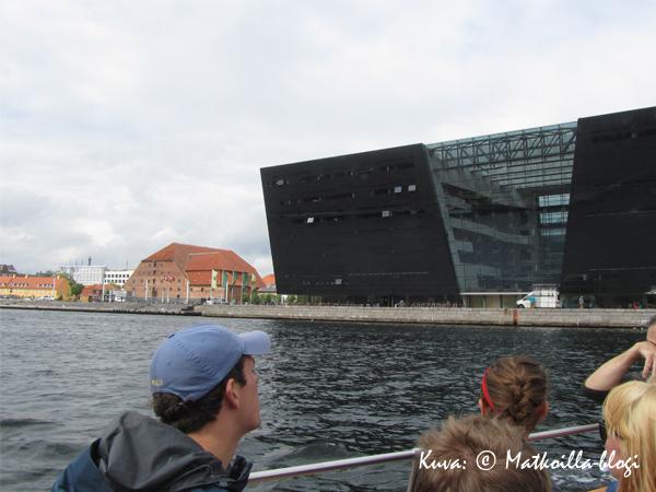 Uusi kirjasto, Den Sorte Diamant. Kuva: © Matkoilla-blogi