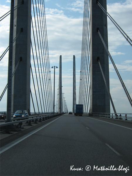 Juutinrauman sillan moottoritiellä. Kuva: © Matkoilla-blogi