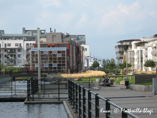 Västra hamnenin alueen modernia arkkitehtuuria.... Kuva: © Matkoilla-blogi