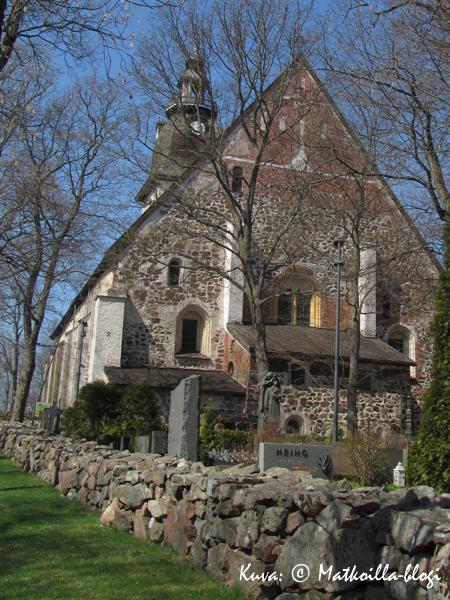 Naantalin kirkko. Kuva: © Matkoilla-blogi