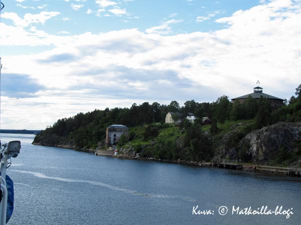 Ruotsinlaivan kannelta tai ikkunasta useimmat suomalaiset ovat varmaankin nähneet Fredriksborgin linnoituksen. Kuva: © Matkoilla-blogi