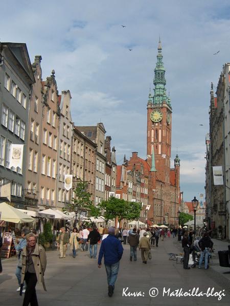Näkymä kohti Gdanskin Raatihuonetta. Kuva: © Matkoilla-blogi