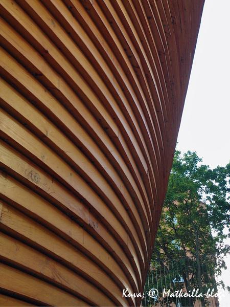Lämmin puu tuoksuu. Kuva: © Matkoilla-blogi