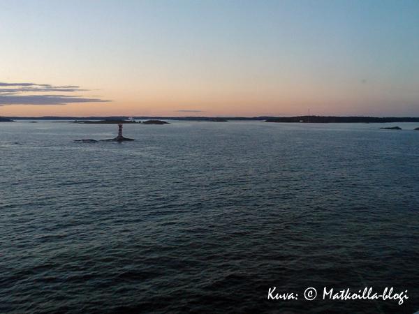 Kesäilta Itämerellä, Maarianhaminan edustalla. Kuva: © Matkoilla-blogi