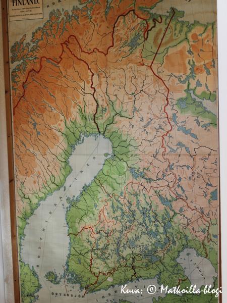 Seinällä oleva Suomen kartta ei ole vielä päivittynyt ihan reaaliaikaan. Kuva: © Matkoilla-blogi