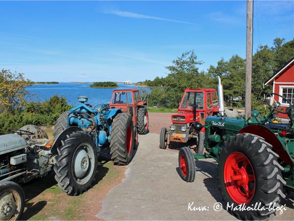 Traktorcruisingissa kyse on myös yhteisöllisyydestä ja kokoontumisesta yhteisen asian ympärille. Kuva: © Matkoilla-blogi
