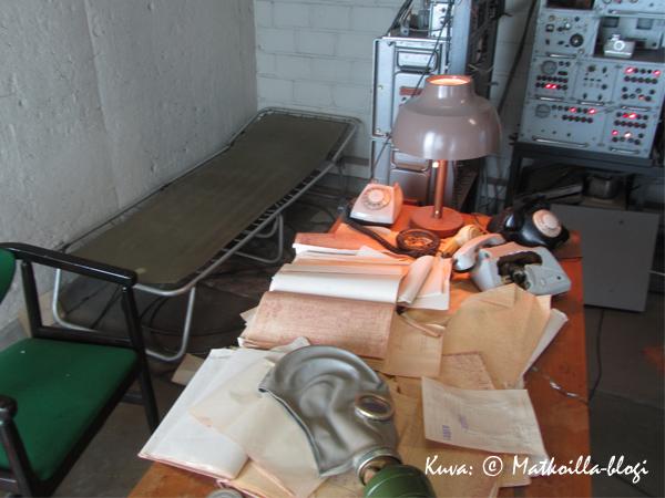 KGB'ltä jäivät paperit pöydälle lähtökiireessä... . Kuva: © Matkoilla-blogi