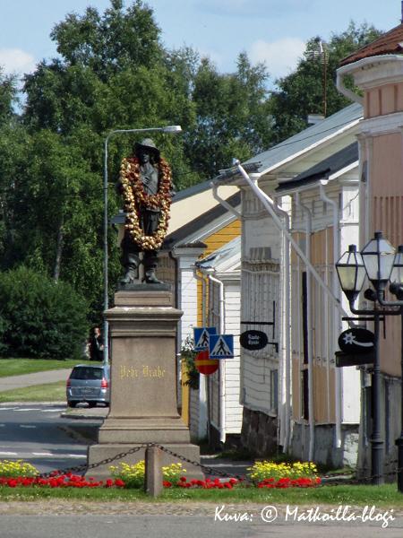 Pietari Brahe katsoo kaupunkiaan. Kuva: © Matkoilla-blogi