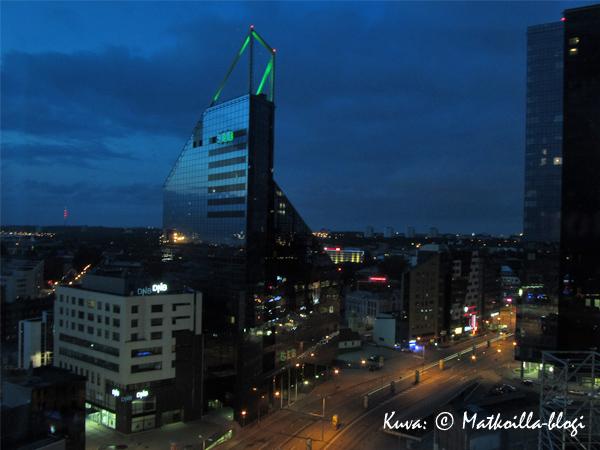 ...ja näkymät uuden keskustan yli huoneesta. Kuva: © Matkoilla-blogi