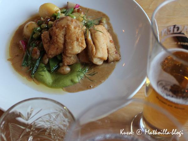 Smakbyn: Ahvenfileet ruodottomuustakuulla. Kuva: © Matkoilla-blogi