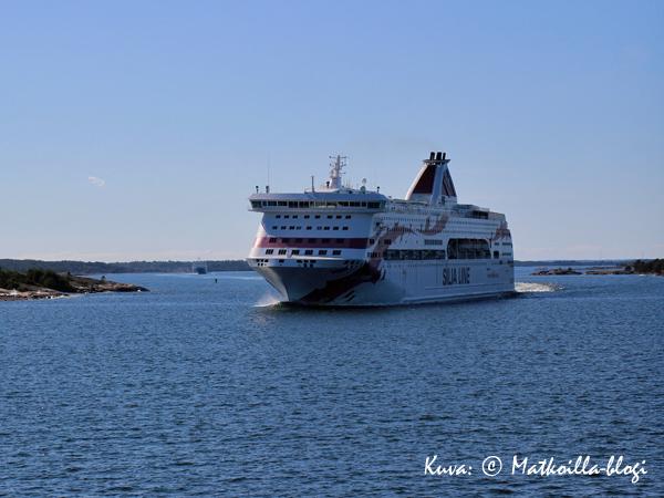 """Baltic Princess oli ensimmäinen """"tuttu"""" vastaantulija... Kuva: © Matkoilla-blogi"""