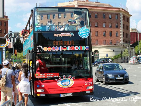 TMB'n hop on-hop off -bussi. Kuva: © Matkoilla-blogi