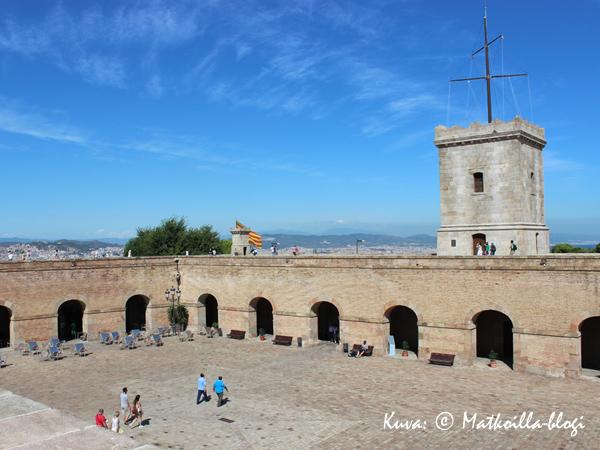 Barcelona_Montjuic_sisäpiha_Kuva_c_Matkoilla_blogi