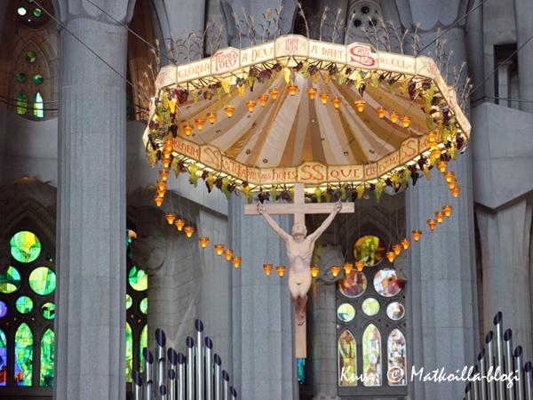 Alttarikatoksella on paljon yhteistä Palma de Mallorcan katedraalin vastaavalla. Kuva: © Matkoilla-blogi