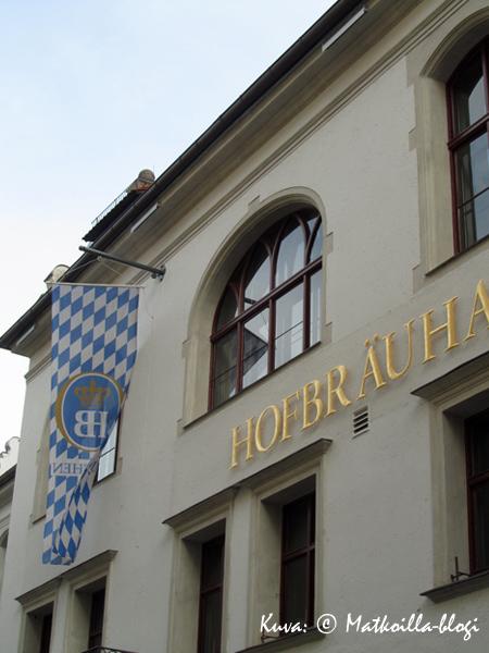 Hofbräuhaus_ulko_2_Kuva_c_Matkoilla_blogi