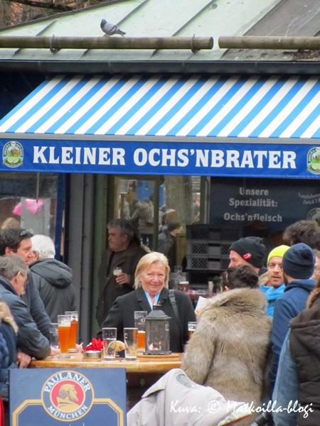 Viktualienmarktillakin maistuu olut… Kuva: © Matkoilla-blogi