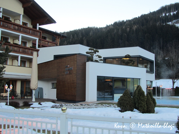Hotel Alpenhof, puutarha. Kuva: © Matkoilla-blogi