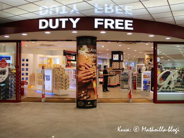 Taxfree-myymälä kuivalla maalla. Kuva: © Matkoilla-blogi