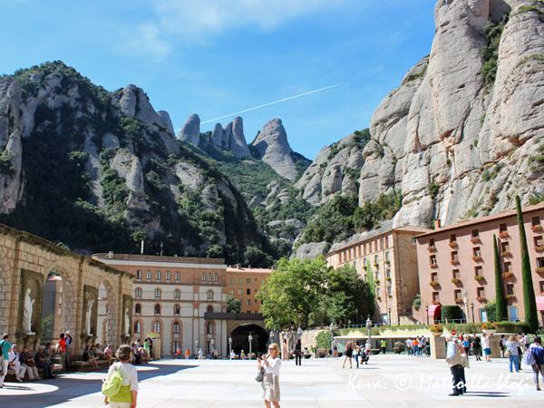 Montserrat_luostaripiha_1_Kuva_c_Matkoilla_blogi