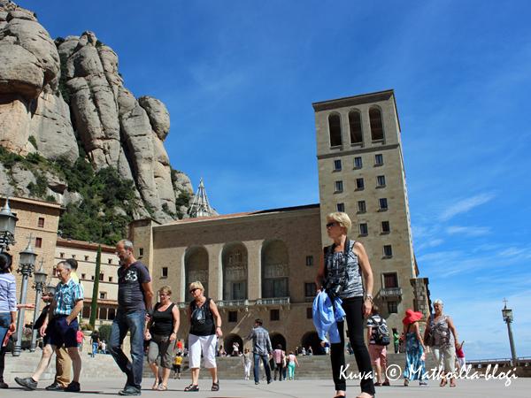 Montserrat_luostaripiha_2_Kuva_c_Matkoilla_blogi