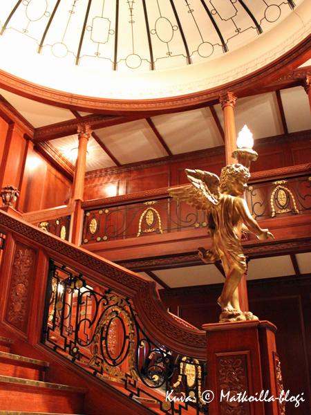 Upea pääportaikko oli varmaankin Titanic-näyttelyn kuvatuin kohde. Kuva: © Matkoilla-blogi
