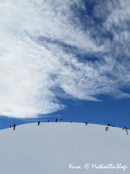 Lumet vasta sulivat, mutta uusia odotellaan jo… .  Kuva: © Matkoilla-blogi